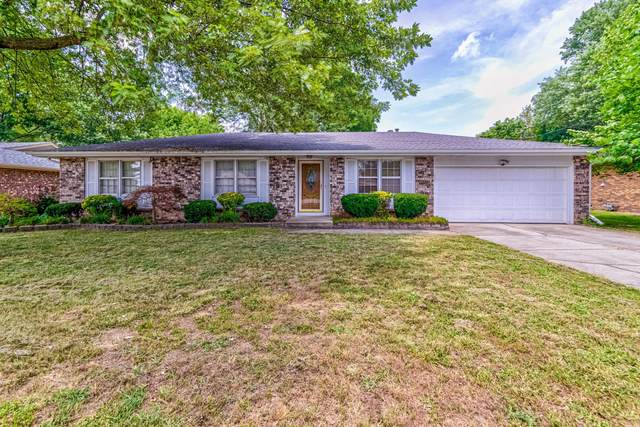1339 E Lakewood Street, Springfield, MO 65804 (MLS #60195693) :: Clay & Clay Real Estate Team