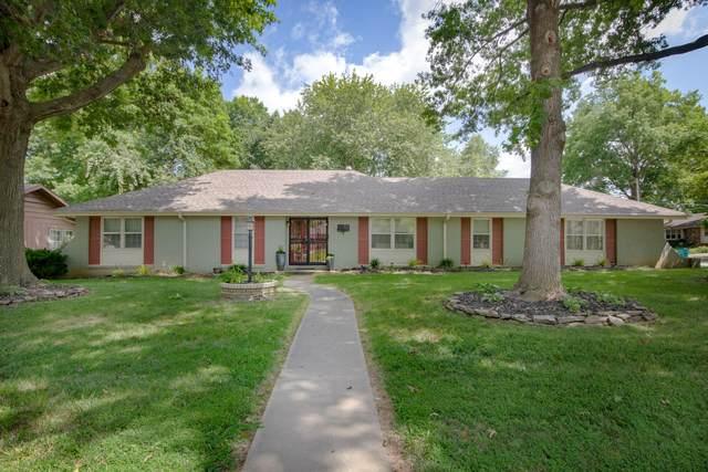 3117 E Covington Street, Springfield, MO 65804 (MLS #60195863) :: The Real Estate Riders