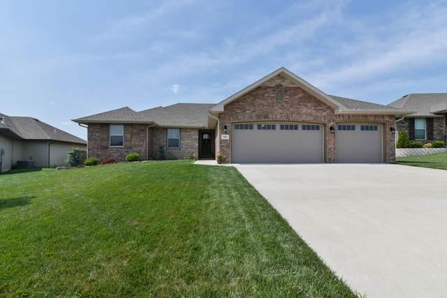 826 E Purple Martin Street, Nixa, MO 65714 (MLS #60195924) :: Clay & Clay Real Estate Team