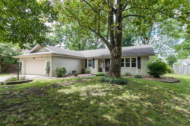 1701 E Cardinal Street, Springfield, MO 65804 (MLS #60196039) :: Sue Carter Real Estate Group