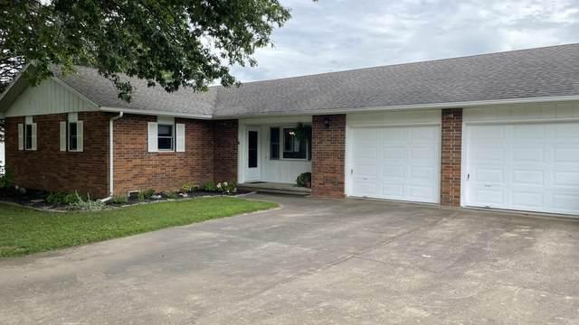 1506 E Chestnut Street, Bolivar, MO 65613 (MLS #60196303) :: Clay & Clay Real Estate Team