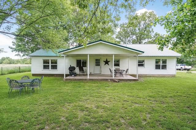 697 Farm Road 1210, Aurora, MO 65605 (MLS #60196460) :: United Country Real Estate