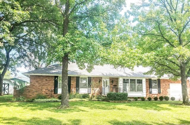 213 W Westhaven Road, El Dorado Springs, MO 64744 (MLS #60196591) :: Team Real Estate - Springfield