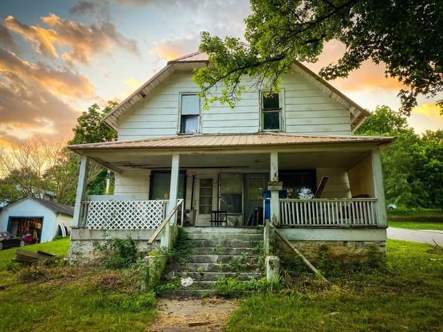 306 Gravel Street Street, Cassville, MO 65625 (MLS #60196828) :: Team Real Estate - Springfield