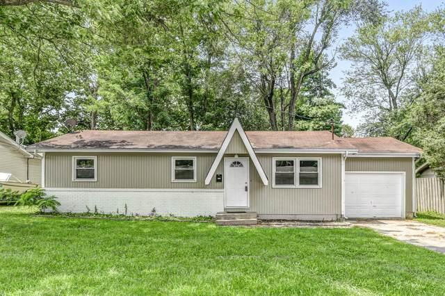 1303 S Estate Avenue, Springfield, MO 65804 (MLS #60197625) :: Winans - Lee Team | Keller Williams Tri-Lakes