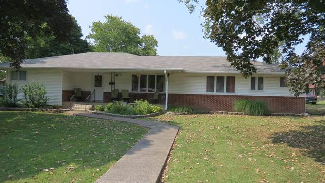 424 W Water Street, Greenfield, MO 65661 (MLS #60197980) :: Clay & Clay Real Estate Team