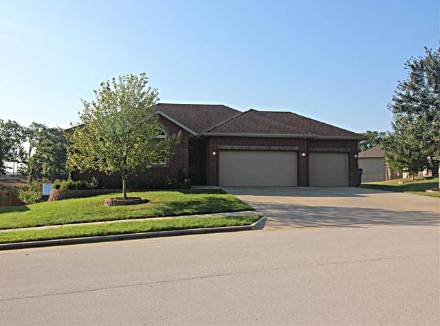 702 E Windmill Drive, Ozark, MO 65721 (MLS #60199579) :: Sue Carter Real Estate Group
