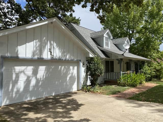 227 Santa Fe Drive, Forsyth, MO 65653 (MLS #60199785) :: Clay & Clay Real Estate Team