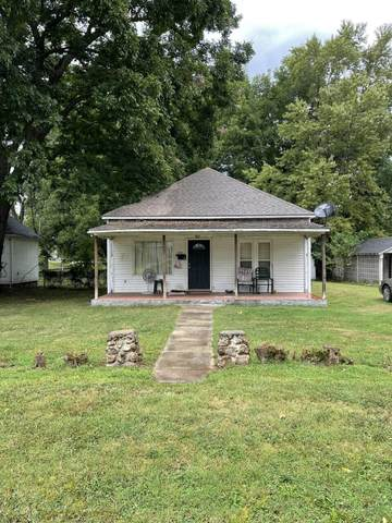 710 Park Street, Neosho, MO 64850 (MLS #60199978) :: Sue Carter Real Estate Group