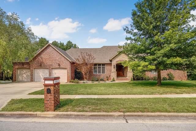 2303 E Briar Street, Springfield, MO 65804 (MLS #60200789) :: Sue Carter Real Estate Group