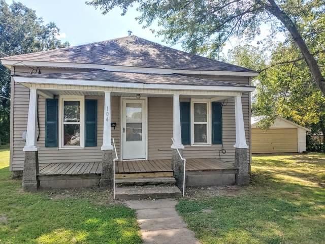104 W Poplar Street, El Dorado Springs, MO 64744 (MLS #60200845) :: Sue Carter Real Estate Group