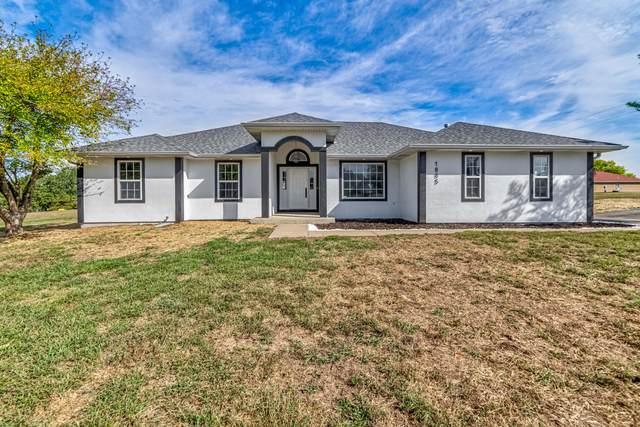 1885 W Ranch Road, Nixa, MO 65714 (MLS #60201062) :: Team Real Estate - Springfield