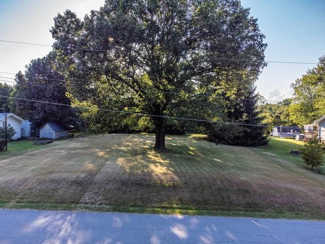 000 N Lakewood Drive, Springfield, MO 65803 (MLS #60201234) :: Clay & Clay Real Estate Team