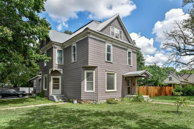 1231 W Thoman Street, Springfield, MO 65803 (MLS #60201244) :: Sue Carter Real Estate Group