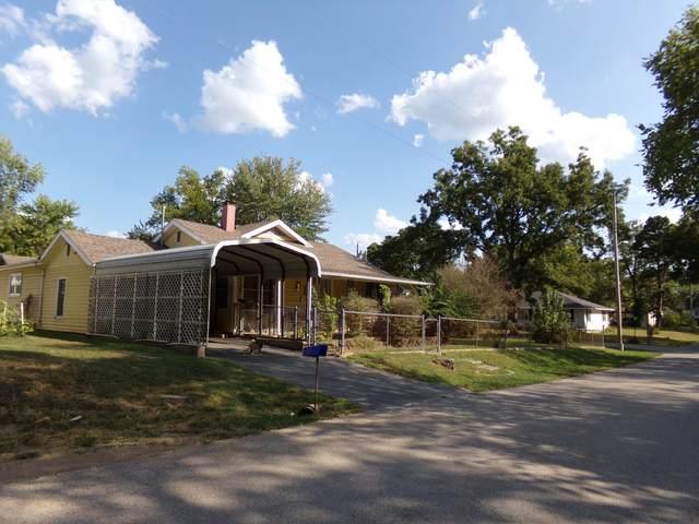 302 David Thurman Street, Pineville, MO 64856 (MLS #60201327) :: Lakeland Realty, Inc.