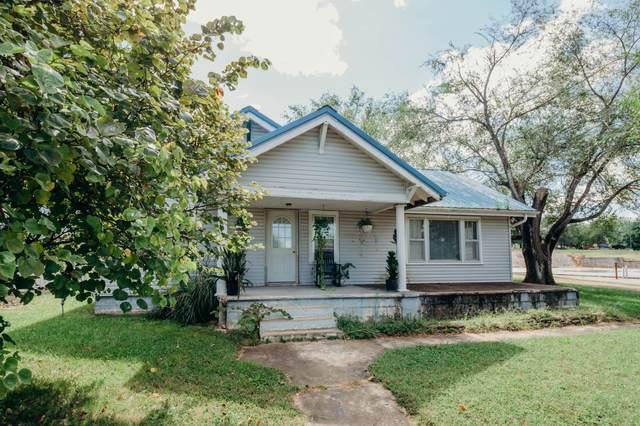 600 East Street, Stockton, MO 65785 (MLS #60201547) :: Sue Carter Real Estate Group