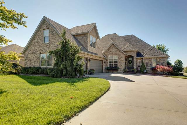 922 E Ozark Jubilee Drive, Nixa, MO 65714 (MLS #60201843) :: Clay & Clay Real Estate Team