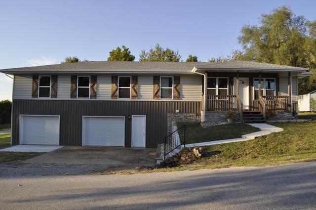 1535 W Locust Street, Bolivar, MO 65613 (MLS #60202156) :: Sue Carter Real Estate Group