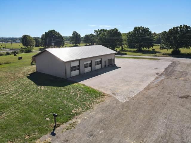 1347 W Hayward Drive, Mt Vernon, MO 65712 (MLS #60202608) :: Team Real Estate - Springfield