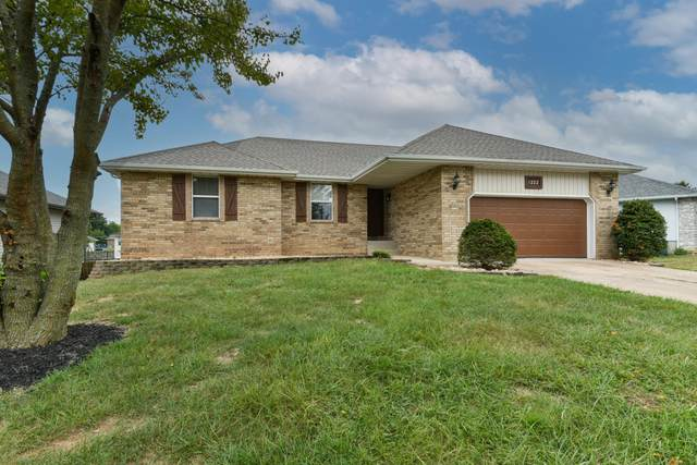 1222 Butterfield Drive, Nixa, MO 65714 (MLS #60202610) :: Clay & Clay Real Estate Team