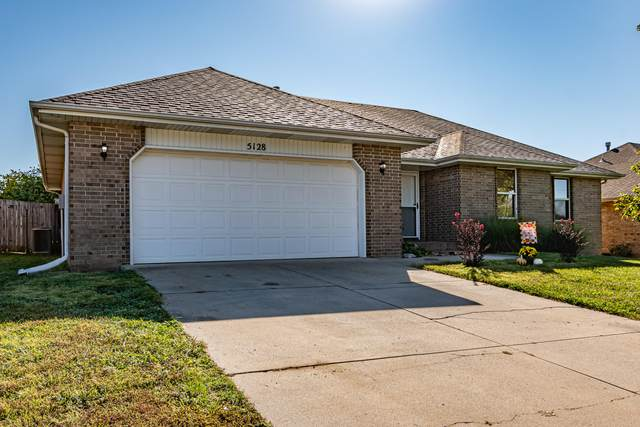 5128 S Ivey Lane, Battlefield, MO 65619 (MLS #60202613) :: Sue Carter Real Estate Group
