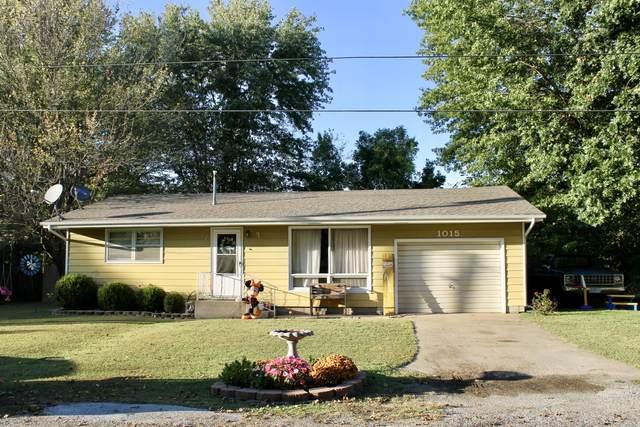 1015 Sunset Street, Aurora, MO 65605 (MLS #60202972) :: Clay & Clay Real Estate Team