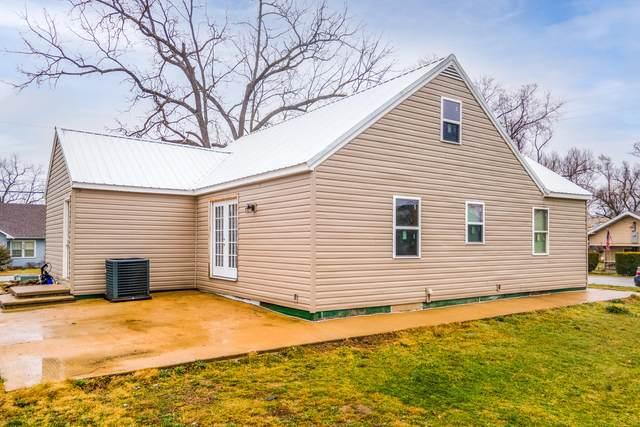 605 Lyle Street, Ava, MO 65608 (MLS #60202984) :: Sue Carter Real Estate Group