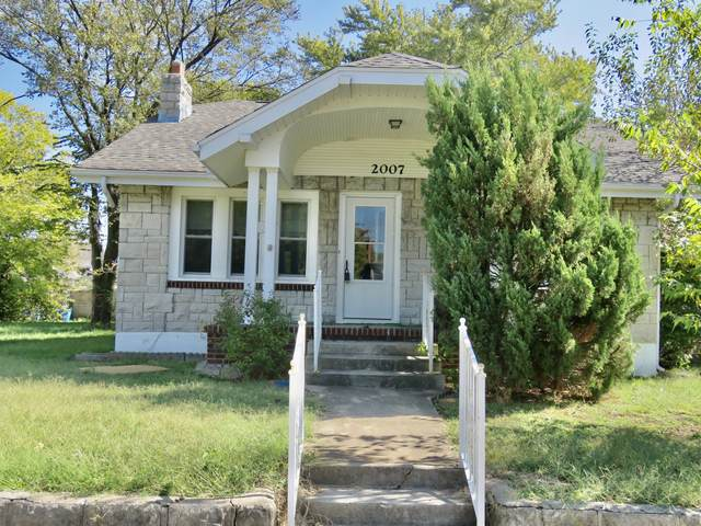 2007 S Connor Avenue, Joplin, MO 64804 (MLS #60203164) :: Clay & Clay Real Estate Team
