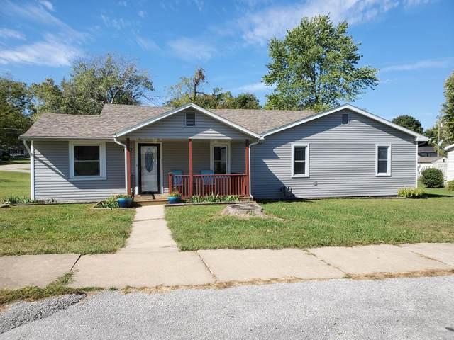 1427 Regan Avenue, Carthage, MO 64836 (MLS #60203174) :: Clay & Clay Real Estate Team