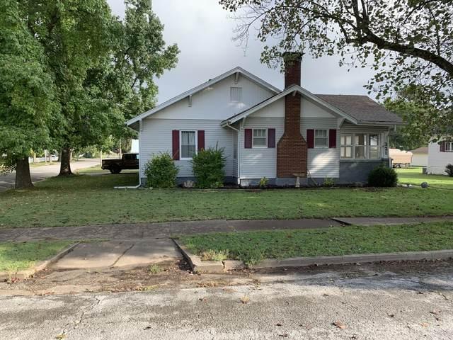 321 W College Street, Aurora, MO 65605 (MLS #60203302) :: Clay & Clay Real Estate Team