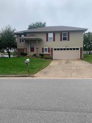1400 W Ridgecrest Street, Ozark, MO 65721 (MLS #60203393) :: Clay & Clay Real Estate Team
