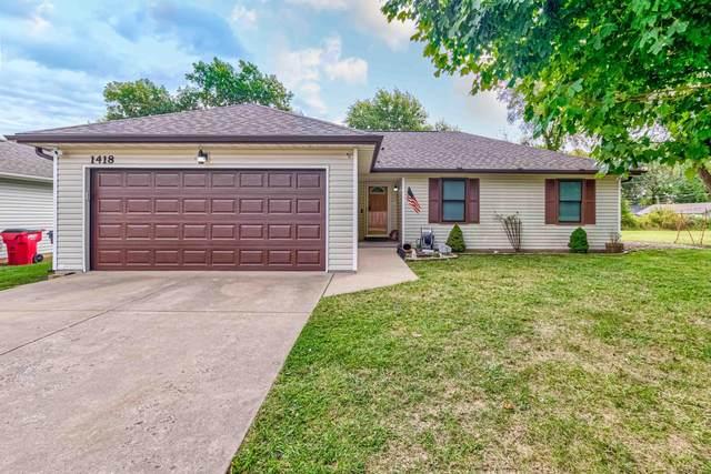 1418 N Hemlock Avenue, Springfield, MO 65803 (MLS #60203443) :: Sue Carter Real Estate Group