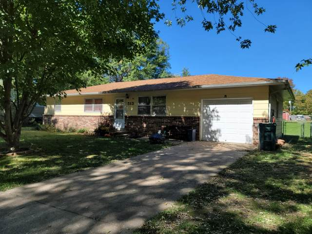 513 W Pearl Street, Aurora, MO 65605 (MLS #60203558) :: Winans - Lee Team | Keller Williams Tri-Lakes