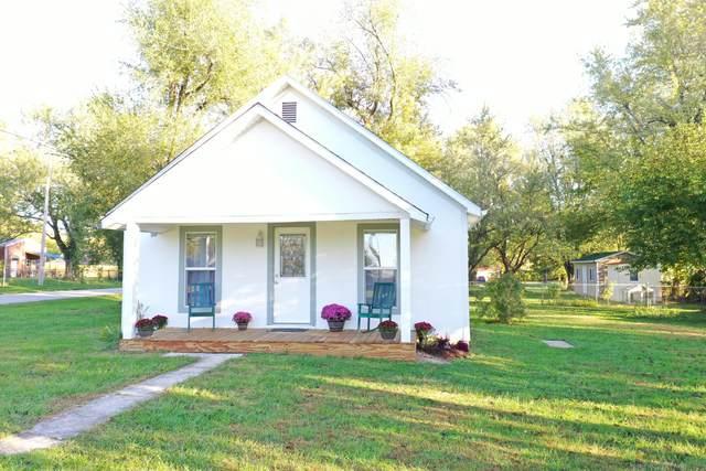 603 E Summit Avenue, Seymour, MO 65746 (MLS #60203806) :: Team Real Estate - Springfield