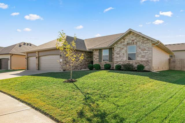 1647 N Eagle Valley Lane, Nixa, MO 65714 (MLS #60203881) :: Sue Carter Real Estate Group