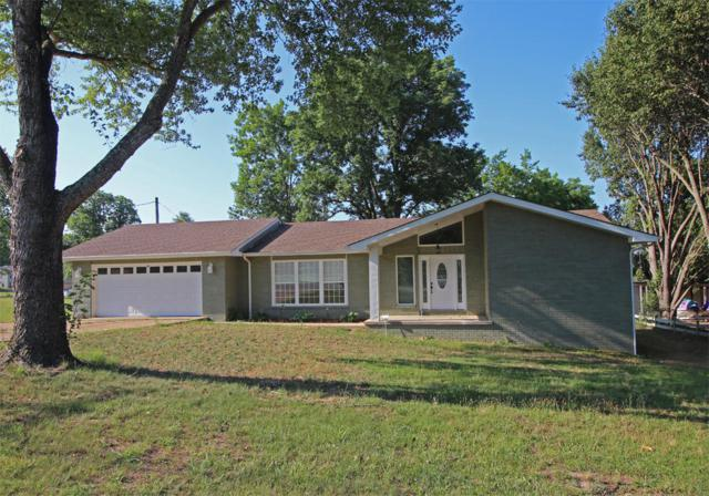 945 Parkview Drive, Hollister, MO 65672 (MLS #60098426) :: Good Life Realty of Missouri