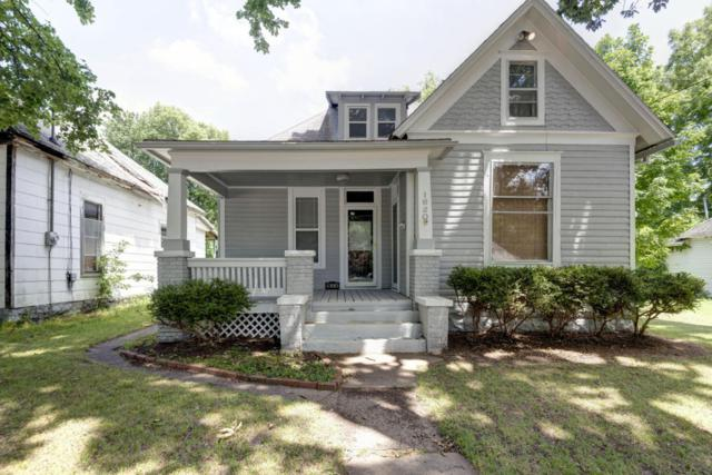 1620 N National Avenue, Springfield, MO 65803 (MLS #60112403) :: Good Life Realty of Missouri