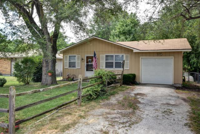 1667 N Patterson Avenue, Springfield, MO 65803 (MLS #60114015) :: Good Life Realty of Missouri