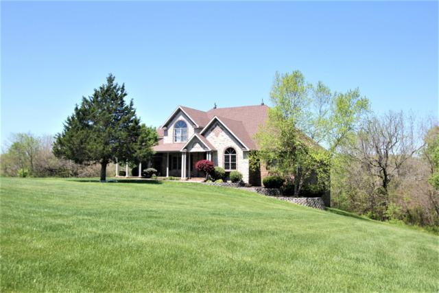 1321 E River Oak Drive, Springfield, MO 65803 (MLS #60131587) :: Sue Carter Real Estate Group