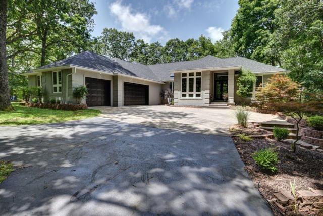 2925 S Ridgewood Lane, Springfield, MO 65809 (MLS #60131600) :: Sue Carter Real Estate Group
