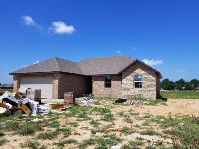 687 N Maplewood Hills Road, Nixa, MO 65714 (MLS #60140835) :: Sue Carter Real Estate Group