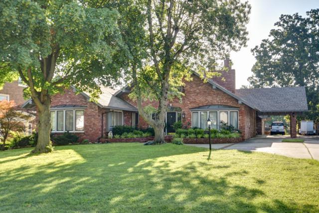 304 S Elliott Avenue, Aurora, MO 65605 (MLS #60141018) :: Sue Carter Real Estate Group