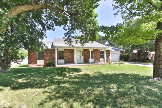 2109 W Jackson Street, Bolivar, MO 65613 (MLS #60142240) :: Sue Carter Real Estate Group