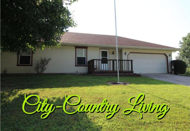 902 N 41st Street, Nixa, MO 65714 (MLS #60142247) :: Sue Carter Real Estate Group