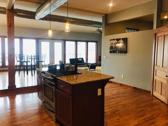 327 E Walnut Street #203, Springfield, MO 65806 (MLS #60151810) :: Winans - Lee Team | Keller Williams Tri-Lakes