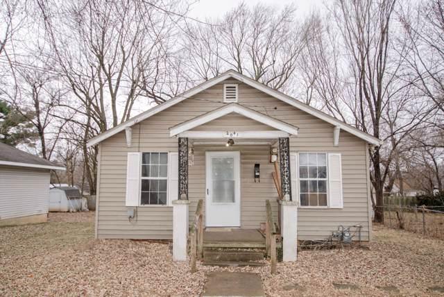 2041 N Travis Avenue, Springfield, MO 65803 (MLS #60153194) :: Sue Carter Real Estate Group