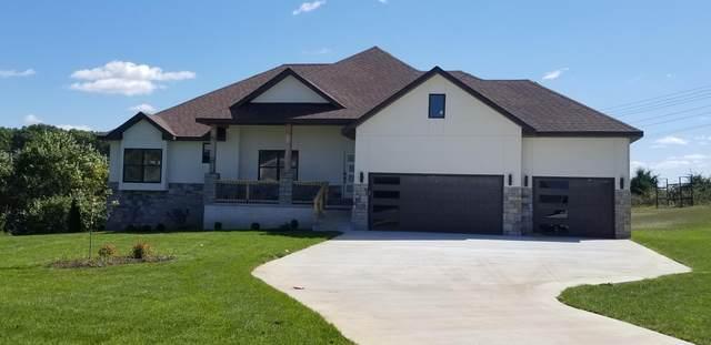802 W Georgia Street, Nixa, MO 65714 (MLS #60168628) :: Sue Carter Real Estate Group