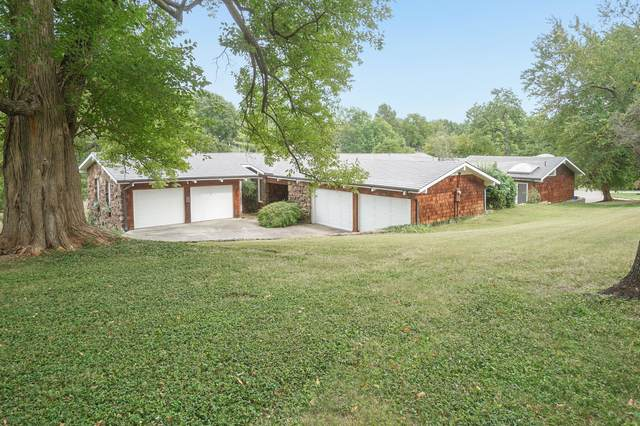 2934 E Crestview Street, Springfield, MO 65804 (MLS #60172149) :: The Real Estate Riders