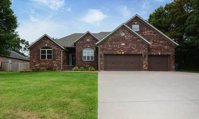 1800 Twin Oaks Drive, Monett, MO 65708 (MLS #60173289) :: Weichert, REALTORS - Good Life