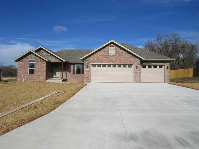 1212 Robins Nest Hill, Mt Vernon, MO 65712 (MLS #60176679) :: Team Real Estate - Springfield